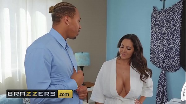 Brazzers Ricky Johnson Seduced By His Stepmom Ava Addams in Mommy Got Boobs